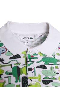 Lacoste - Unisex Lacoste x Jeremyville Print Regular Fit Piqué Polo Shirt - Poloshirts - blanc/multico - 2