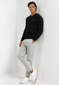 Lacoste - Sweter - black - 1