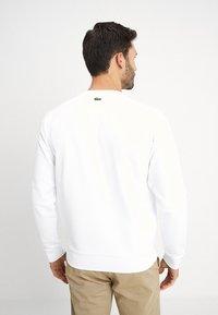 Lacoste - SH6423 - Sweatshirt - blanc - 2