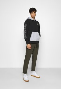 Lacoste - OUTLINE - Hoodie - noir/argent chine - 1