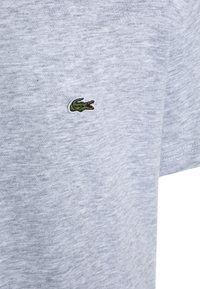 Lacoste - Basic T-shirt - argent chine - 2