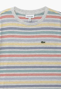 Lacoste - Print T-shirt - alpes grey chine/multicoloured - 3