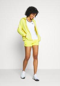 Lacoste Sport - WOMEN TENNIS - Felpa aperta - lemon/lemon - 1