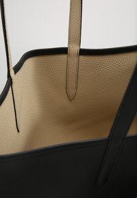 Lacoste - NF2142AA     REVERSIBLE - Shopping bag - black warm sand - 4