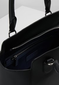 Lacoste - Handtasche - black - 4
