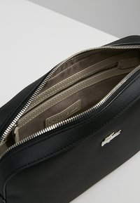 Lacoste - SQUARE CROSSOVER BAG - Umhängetasche - black