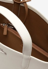 Lacoste - Cabas - marshmallow otter - 4