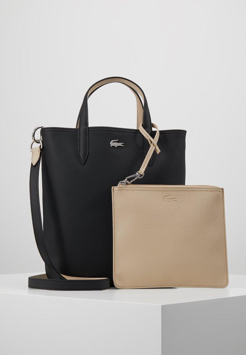 Lacoste - VERTICAL BAG SET - Handbag - black warm sand