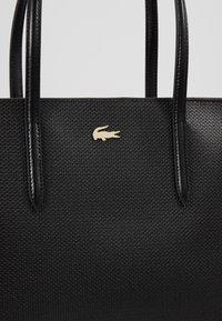 Lacoste - FEMME PREMIUM  - Shopping Bag - noir - 6