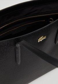 Lacoste - FEMME PREMIUM  - Shopping Bag - noir - 4
