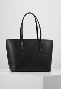Lacoste - FEMME PREMIUM  - Shopping Bag - noir - 3