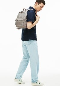 Lacoste - NH2904NT - Rucksack - feather gray - 1