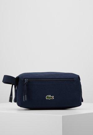 TOILET KIT - Kosmetická taška - peacoat