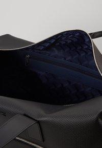Lacoste - Weekend bag - black - 5