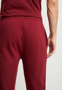 Lacoste - JOGGER - Pyjama bottoms - burgundy - 4