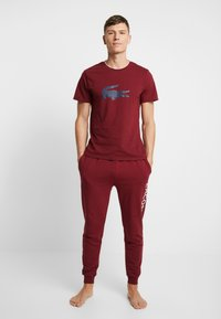 Lacoste - SHORT SLEEVE TEE - Pyjamashirt - burgundy - 1