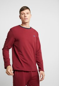 Lacoste - LONG SLEEVE CREWNECK - Nachtwäsche Shirt - dark red - 0