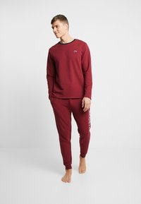 Lacoste - LONG SLEEVE CREWNECK - Nachtwäsche Shirt - dark red - 1