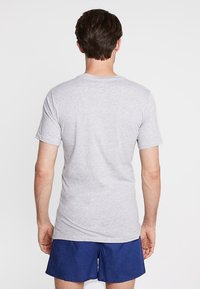 Lacoste - SLIM FIT TEE 3 PACK - Camiseta interior - grau meliert - 2