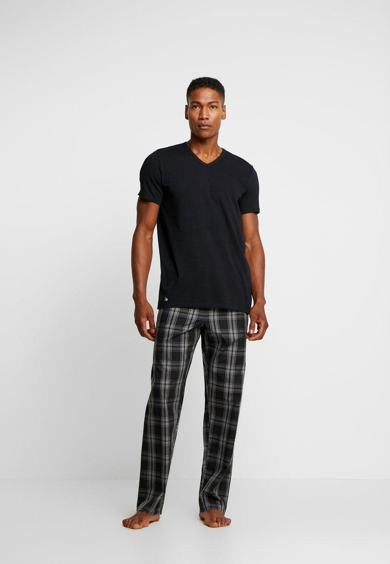 Lacoste - SLIM FIT V NECK TEE 2 PACK - Unterhemd/-shirt - black