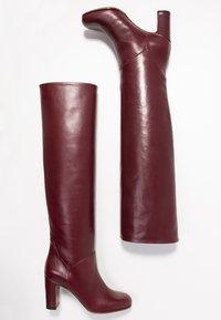 L'Autre Chose - Stivali sopra il ginocchio - bordeaux - 3