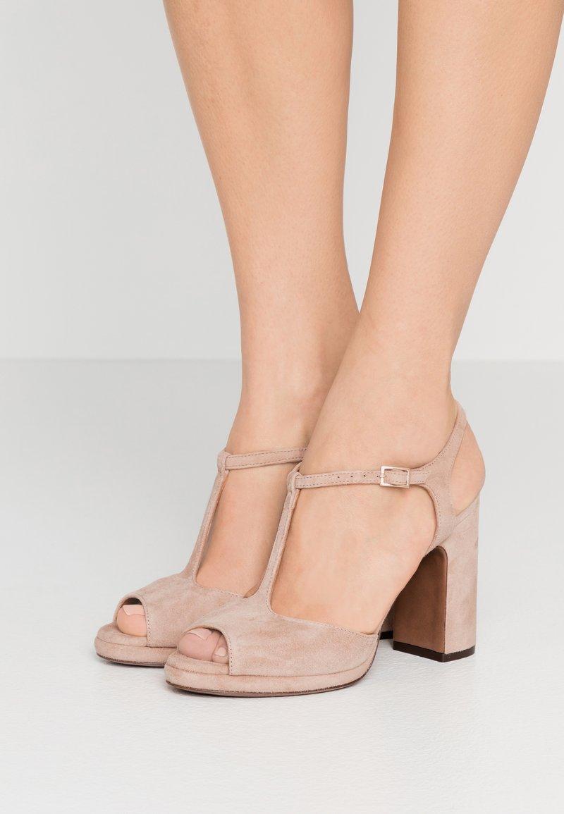 L'Autre Chose - High heeled sandals - sand