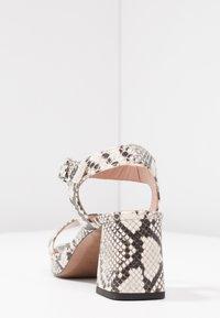 L'Autre Chose - Korkeakorkoiset sandaalit - offwhite - 5
