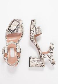 L'Autre Chose - Korkeakorkoiset sandaalit - offwhite - 3