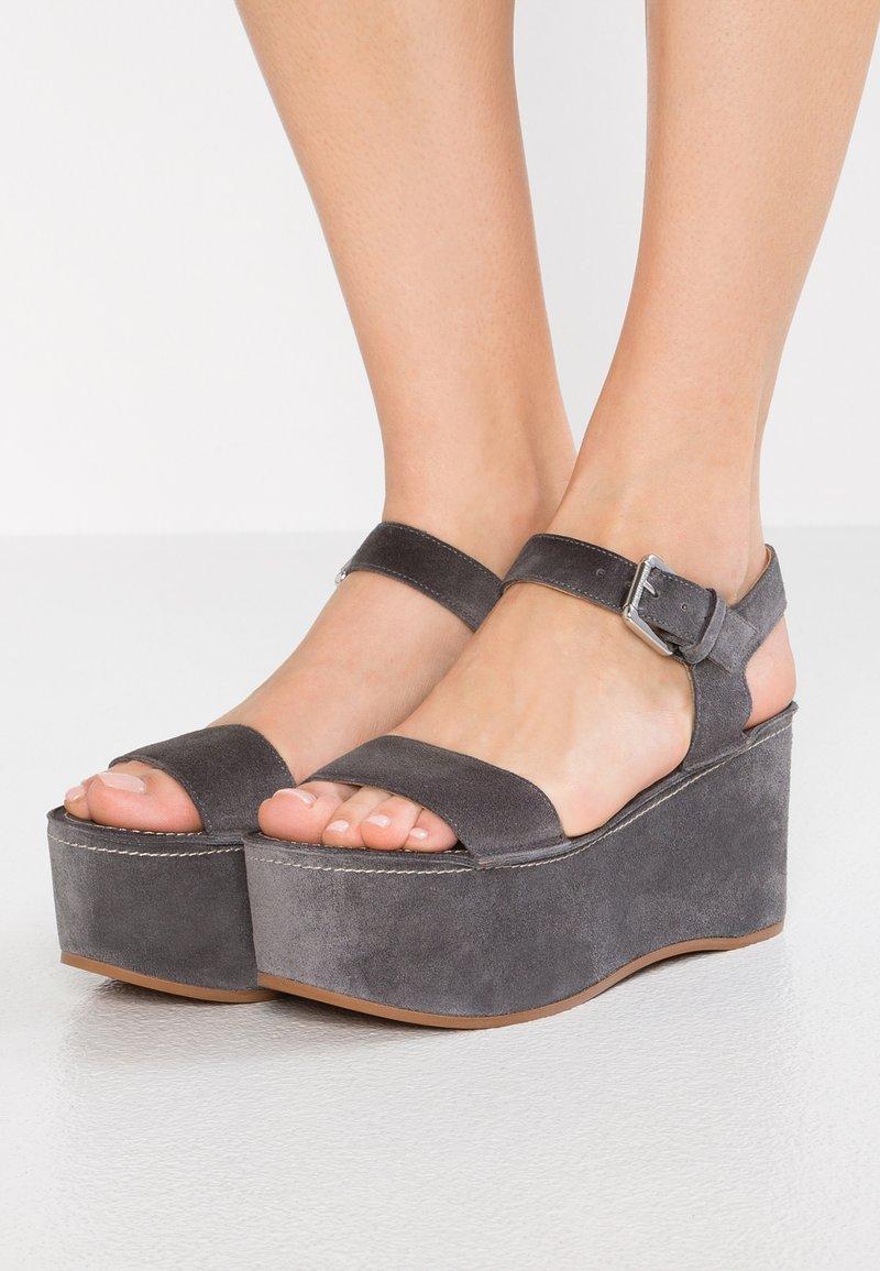 L'Autre Chose - Sandalias con plataforma - dark grey