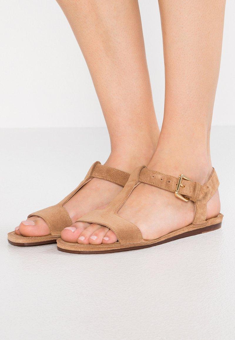 L'Autre Chose - Sandals - tan