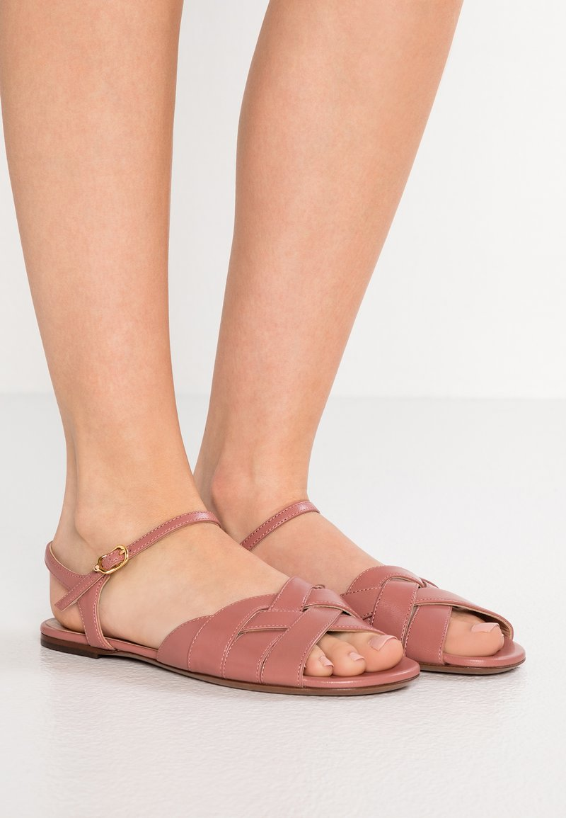 L'Autre Chose - CROSS OVER STRAP FLAT  - Sandals - antique rose
