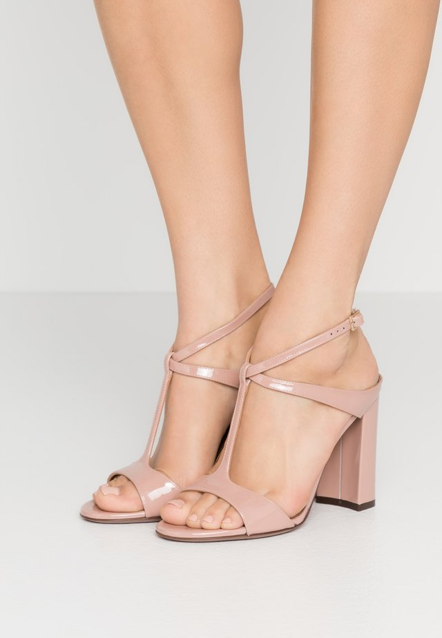 High heeled sandals - warm pink