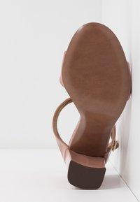 L'Autre Chose - High heeled sandals - warm pink - 6