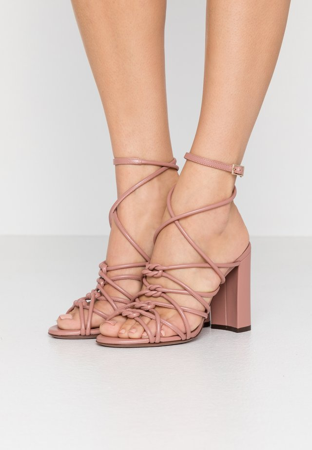High heeled sandals - ancient pink