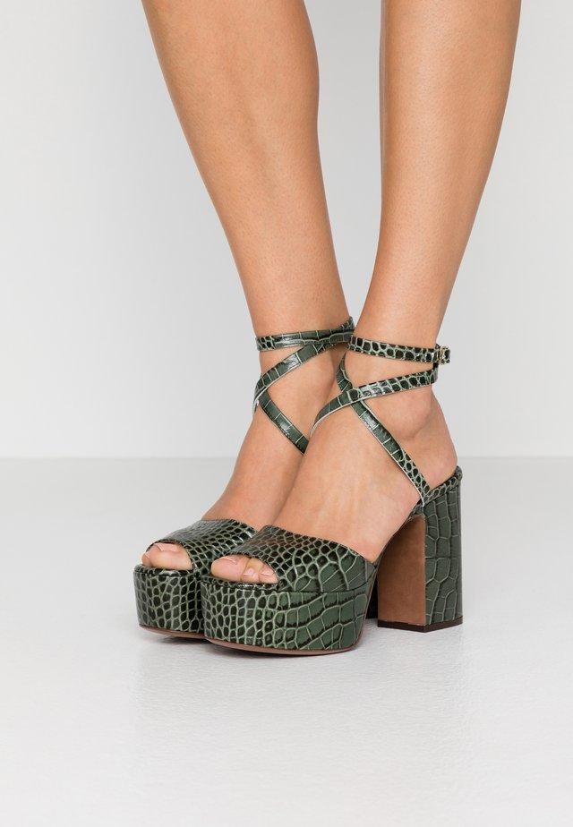 Sandali con tacco - sage