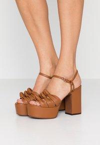 L'Autre Chose - High heeled sandals - tan - 0