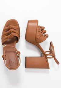 L'Autre Chose - High heeled sandals - tan - 3