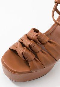 L'Autre Chose - High heeled sandals - tan - 2