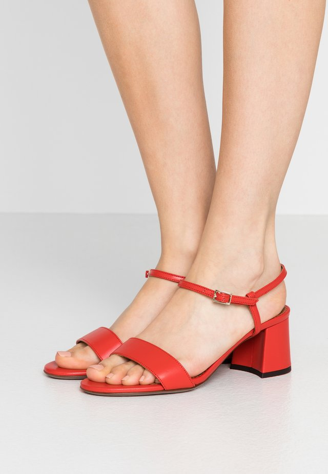 HEEL - Sandály - coral