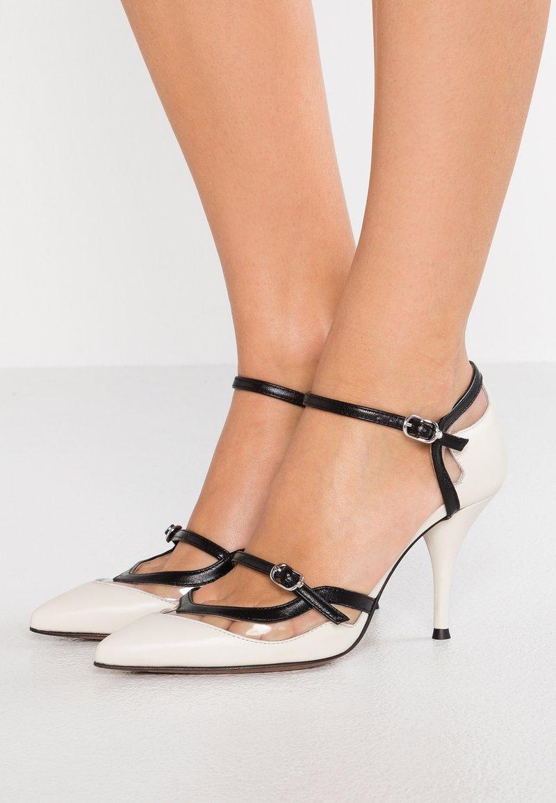 L'Autre Chose - Zapatos altos - offwhite