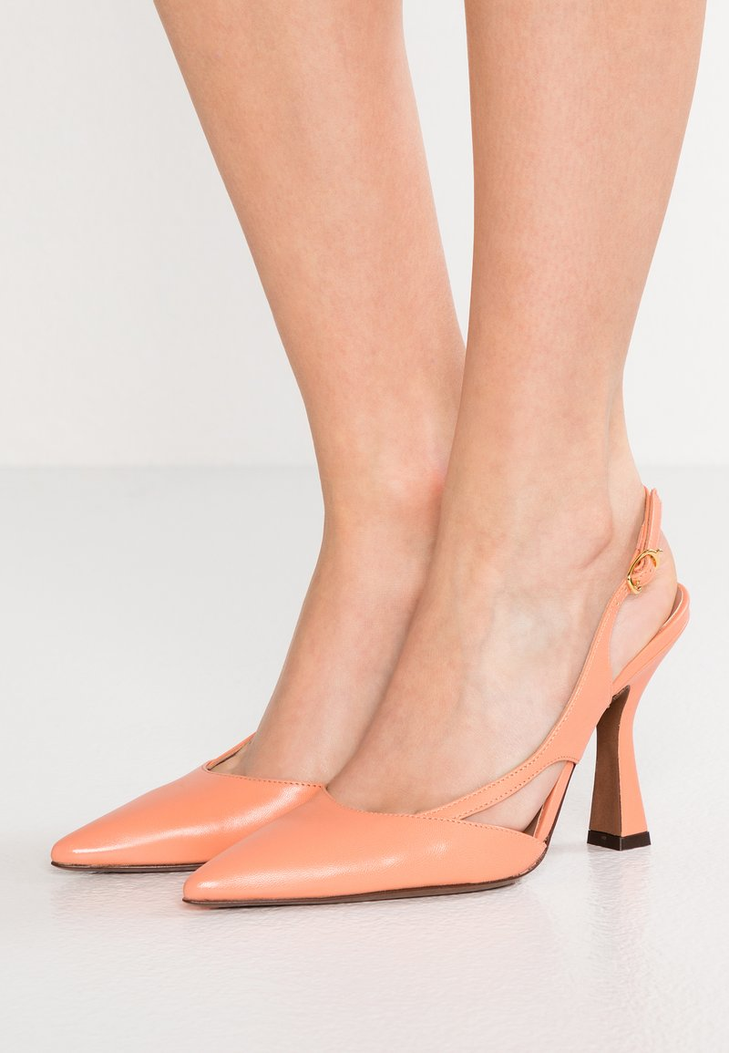L'Autre Chose - High Heel Pumps - apricot
