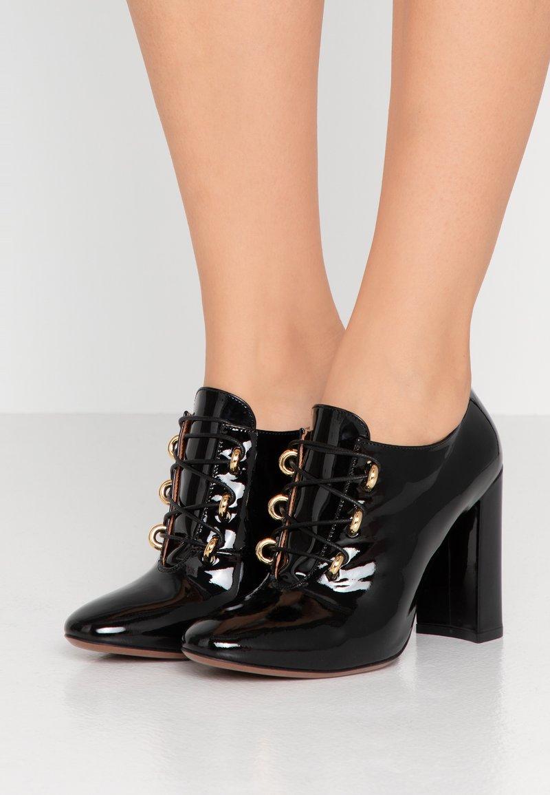 L'Autre Chose - High heeled ankle boots - black