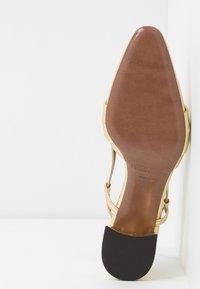 L'Autre Chose - Classic heels - platinum - 6
