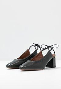 L'Autre Chose - Classic heels - black - 4