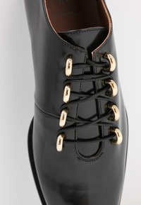 L'Autre Chose - Lace-ups - black - 2