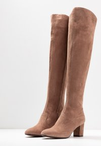L'Autre Chose - Over-the-knee boots - nude - 4