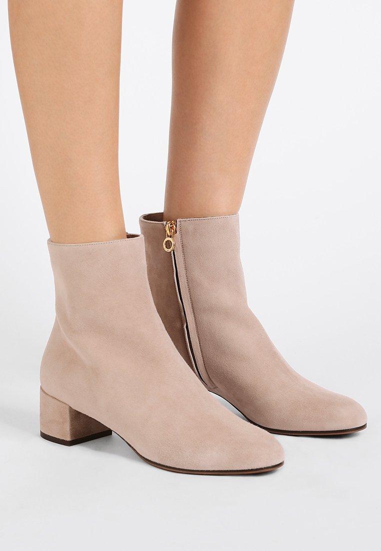 L'Autre Chose - Classic ankle boots - taupe