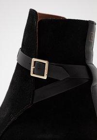 L'Autre Chose - Classic ankle boots - black - 2