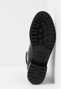 L'Autre Chose - Lace-up ankle boots - black - 6