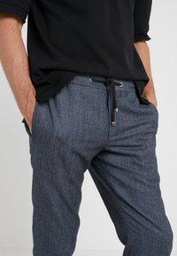 Lab Pal Zileri - PANTALONE UOMO - Trousers - blue - 5